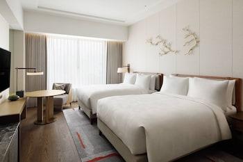 デラックス ルーム ダブルベッド 2 台 禁煙 JW マリオット・ホテル奈良