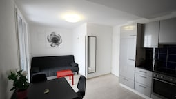 ZH Bordeaux - Letzigrund Hitrental Apartment
