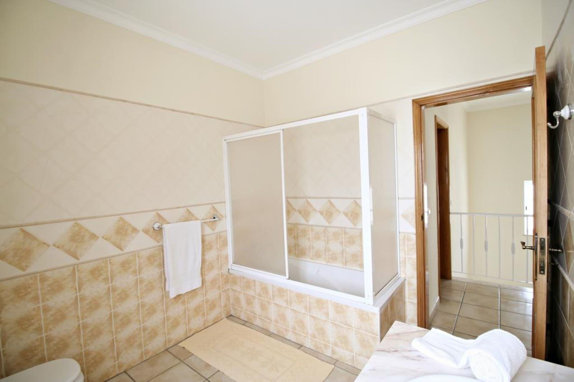 Villa - 3 Bedrooms with Pool - 101343, Albufeira