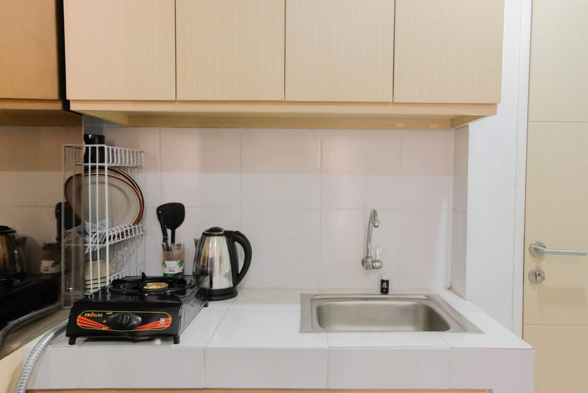 Cozy and Minimalist 2BR Apartment at Ayodhya Residence, Tangerang