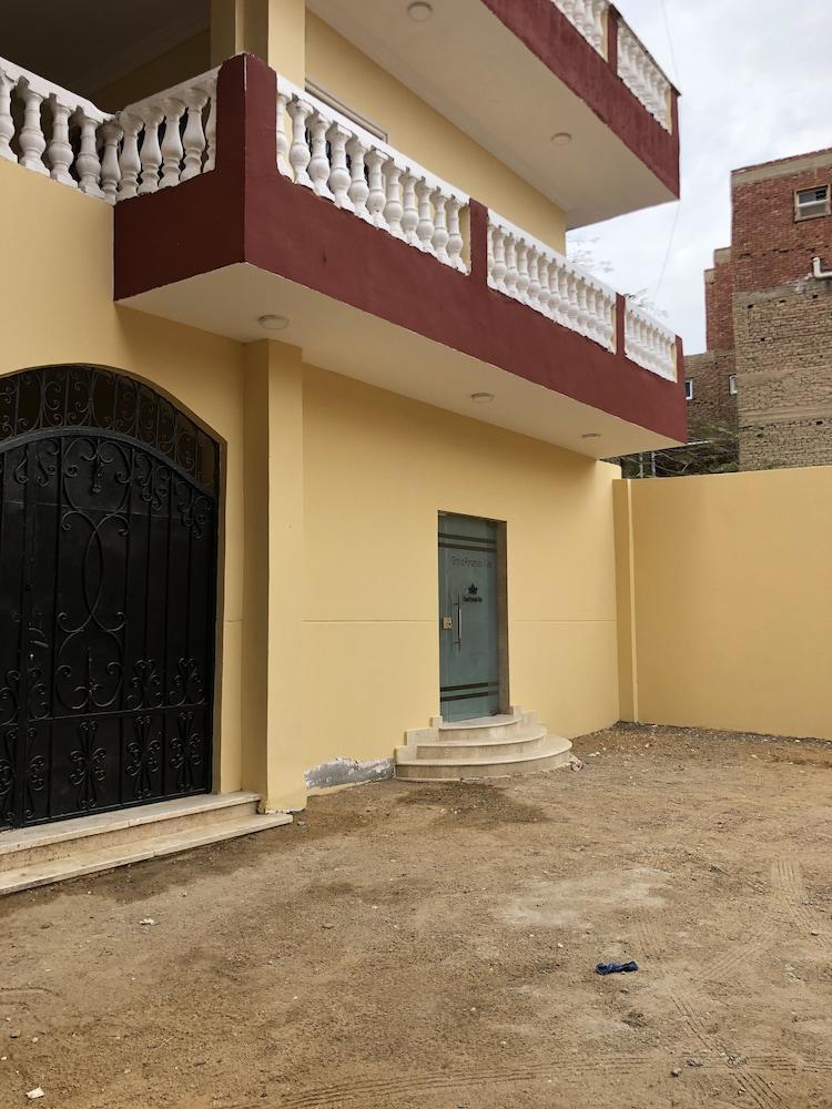 グランド ピラミッズ ビュー ゲストハウス