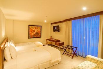 Junior Double Room