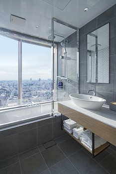 HUNDRED STAY TOKYO SHINJUKU Bathroom
