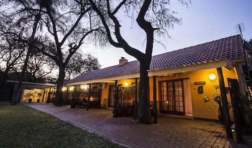 Sunbird Lodge - Guest House, Mopani