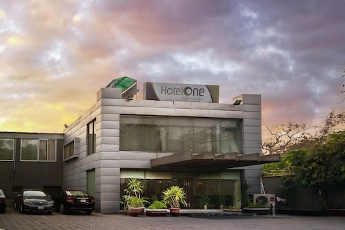 . Hotel One The Mall Lahore