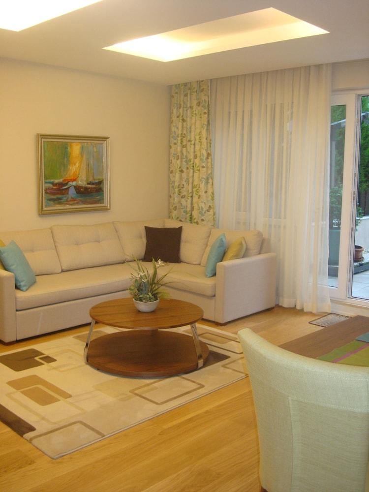 체야 테스비키예(Cheya Tesvikiye) Hotel Image 24 - Living Area