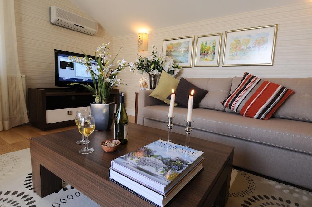 체야 테스비키예(Cheya Tesvikiye) Hotel Image 32 - Living Room