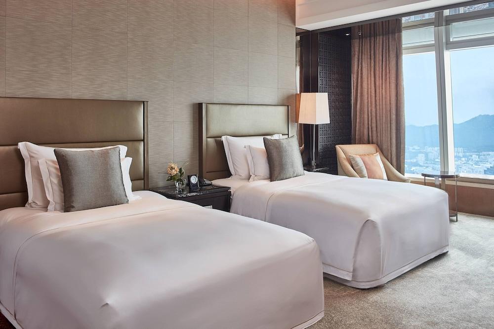 https://i.travelapi.com/hotels/5000000/4020000/4011600/4011564/61a7e500_z.jpg