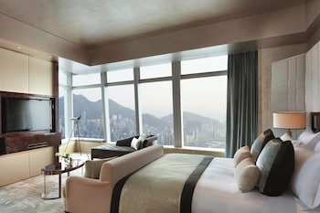 Carlton Suite, Club level, 1 Bedroom Larger Suite, 1 King