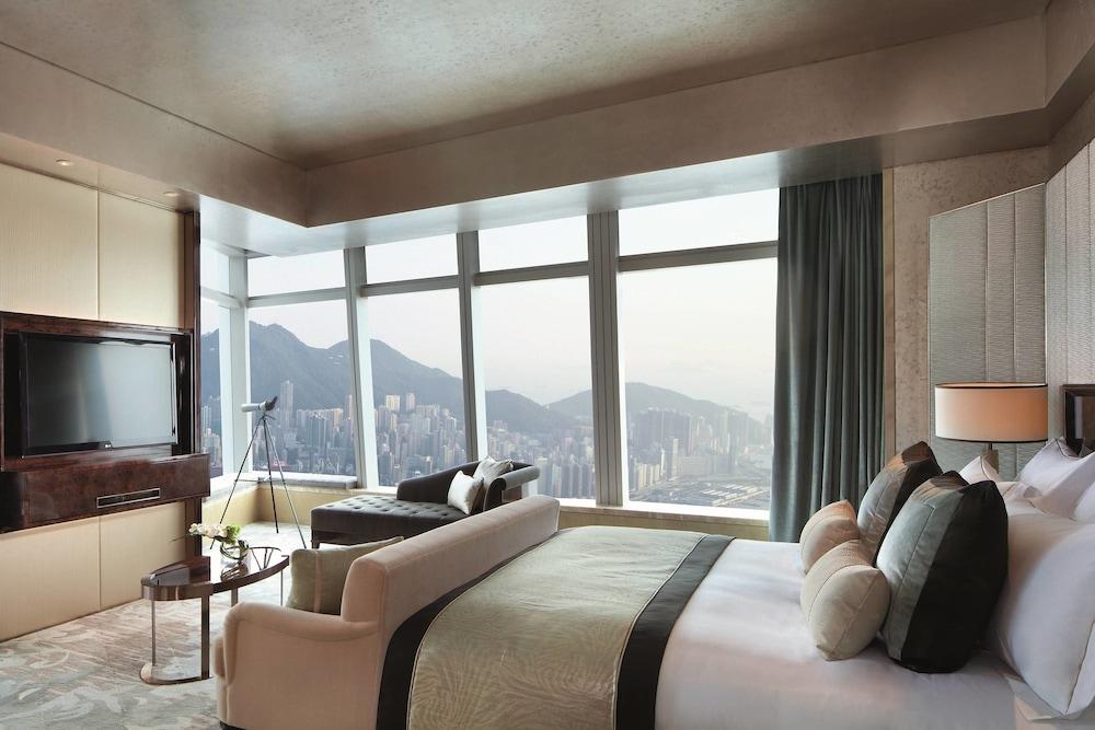 https://i.travelapi.com/hotels/5000000/4020000/4011600/4011564/8495ca42_z.jpg