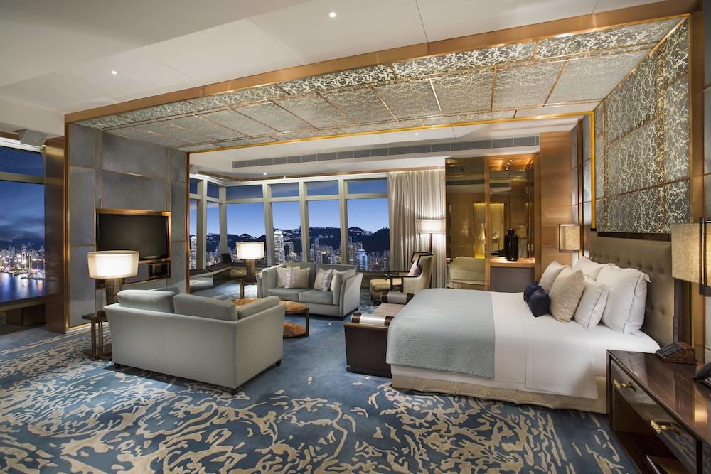 https://i.travelapi.com/hotels/5000000/4020000/4011600/4011564/bd2302ba_z.jpg