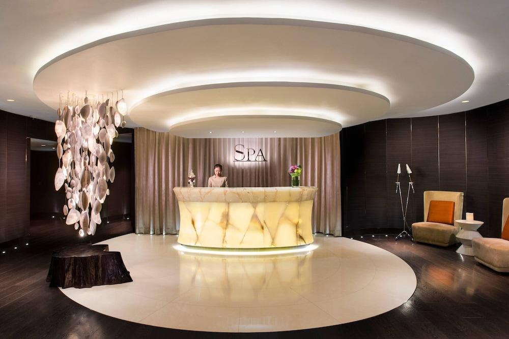 https://i.travelapi.com/hotels/5000000/4020000/4011600/4011564/c885c36f_z.jpg