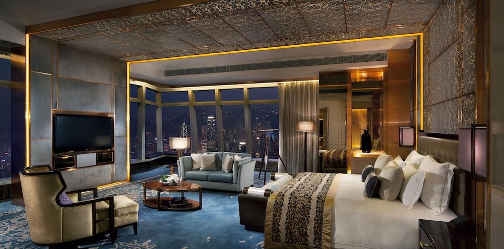 https://i.travelapi.com/hotels/5000000/4020000/4011600/4011564/ede62133_z.jpg