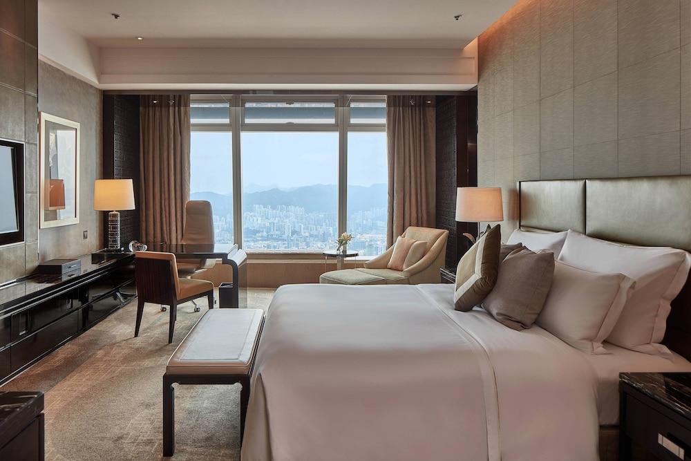 https://i.travelapi.com/hotels/5000000/4020000/4011600/4011564/f5a38ed8_z.jpg