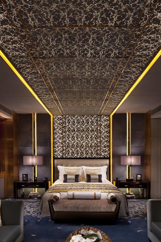 https://i.travelapi.com/hotels/5000000/4020000/4011600/4011564/fee07a92_z.jpg