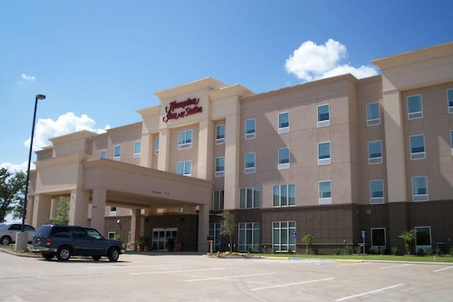 . Hampton Inn and Suites Denison, TX