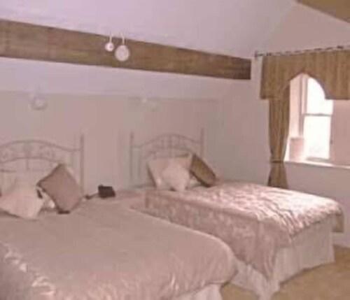 . Low Wood Hall Hotel