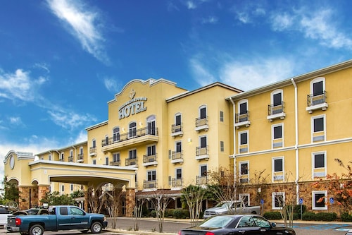 . Evangeline Downs Hotel, Ascend Hotel Collection