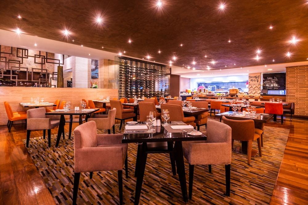 힐튼 보고타(Hilton Bogota) Hotel Image 48 - Dining