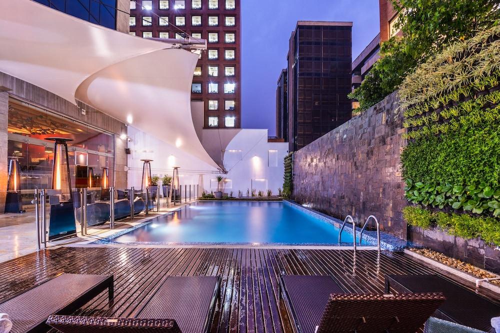 힐튼 보고타(Hilton Bogota) Hotel Image 40 - Outdoor Pool