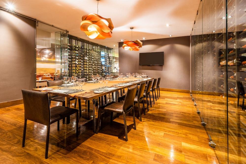 힐튼 보고타(Hilton Bogota) Hotel Image 50 - Dining