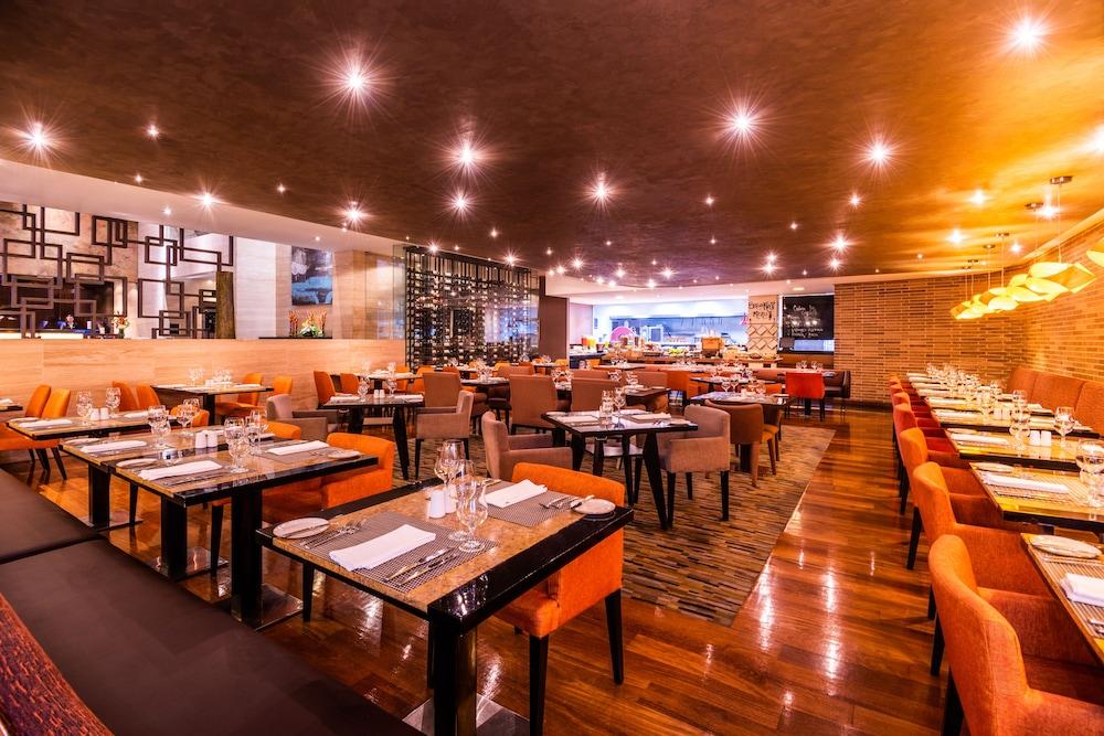 힐튼 보고타(Hilton Bogota) Hotel Image 51 - Dining