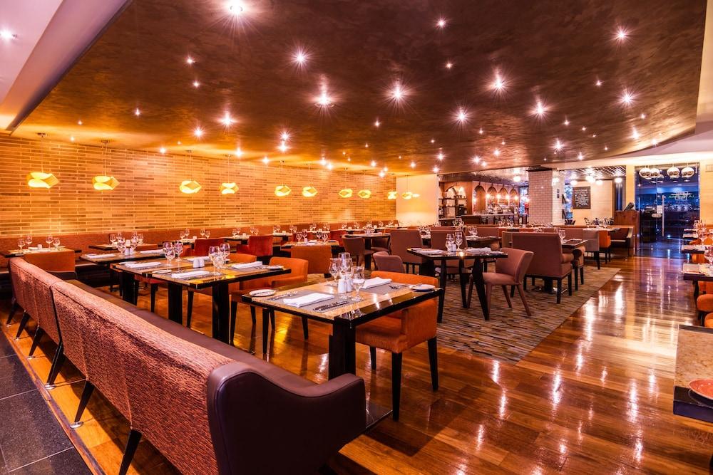 힐튼 보고타(Hilton Bogota) Hotel Image 52 - Dining