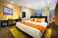 Regis Room, One King Bed