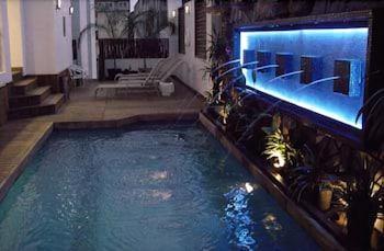 호텔 잉글라테라(Hotel Inglaterra) Hotel Image 15 - Outdoor Pool