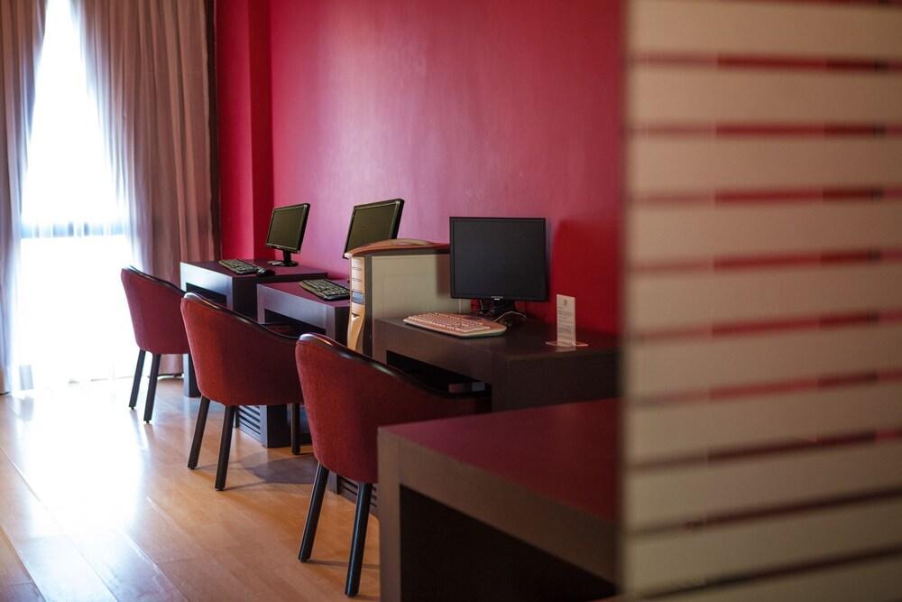 호텔 잉글라테라(Hotel Inglaterra) Hotel Image 30 - Executive Lounge