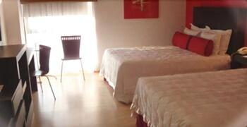 호텔 잉글라테라(Hotel Inglaterra) Hotel Image 4 - Guestroom