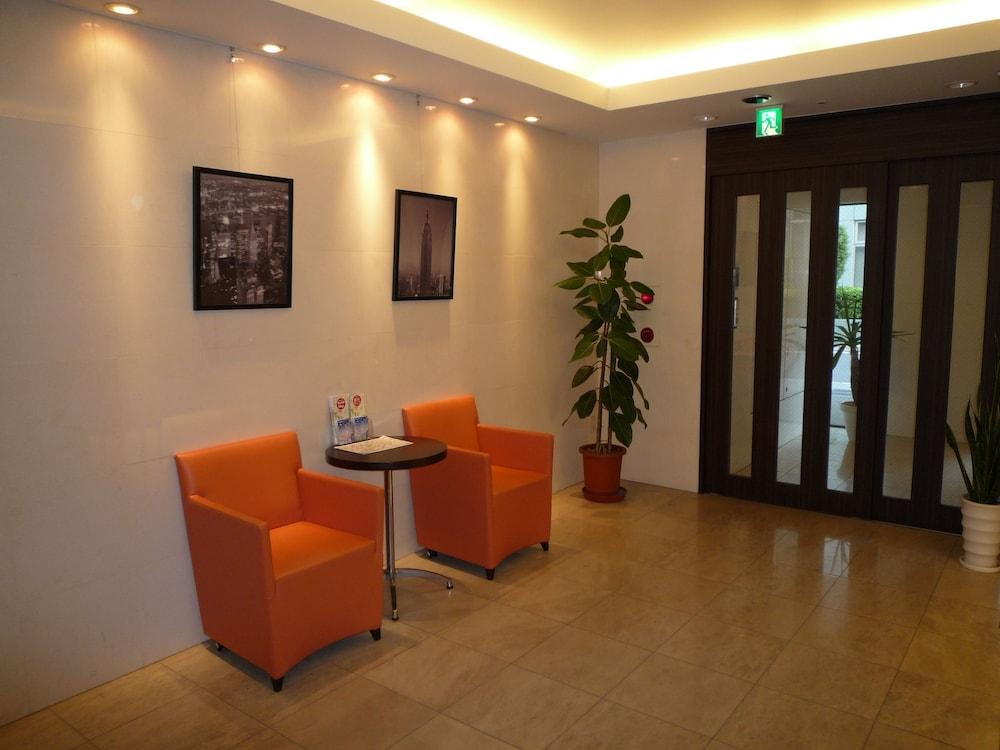 Lobby Sitting Area