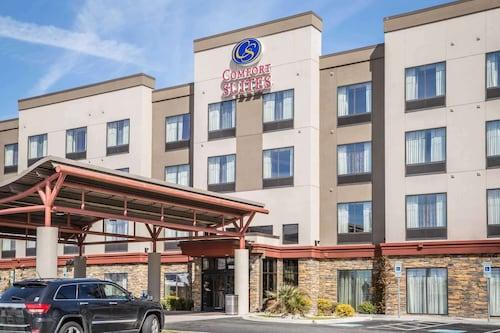 . Comfort Suites New Bern near Cherry Point