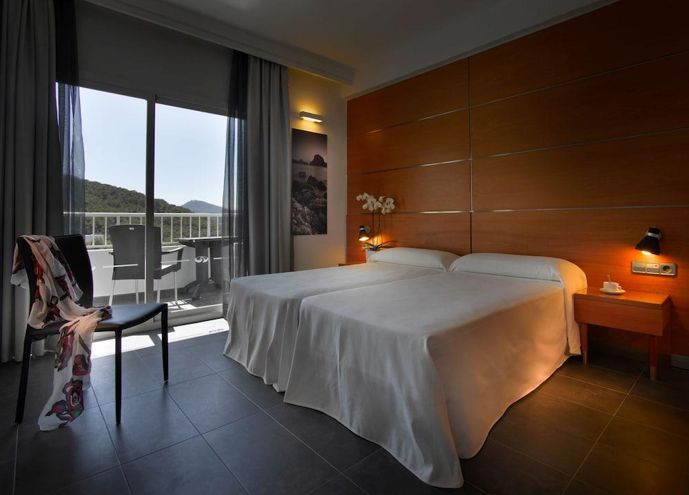 https://i.travelapi.com/hotels/5000000/4030000/4021500/4021404/bd597099_z.jpg
