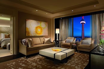 Executive Suite, 1 Bedroom, Business Lounge Access (Simcoe)