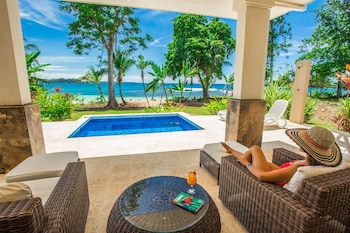 Hotel - Red Frog Beach Island Resort
