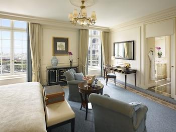 Eiffel View Room, 2 Single Beds