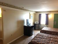 Deluxe Room (3 Queen Beds)