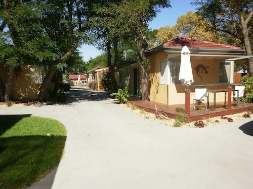 . Kickback Cottages