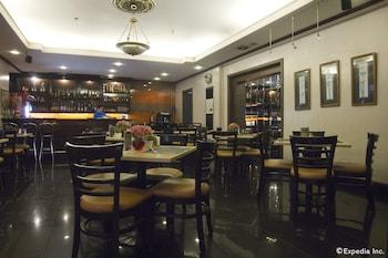 Riviera Mansion Hotel Manila Restaurant
