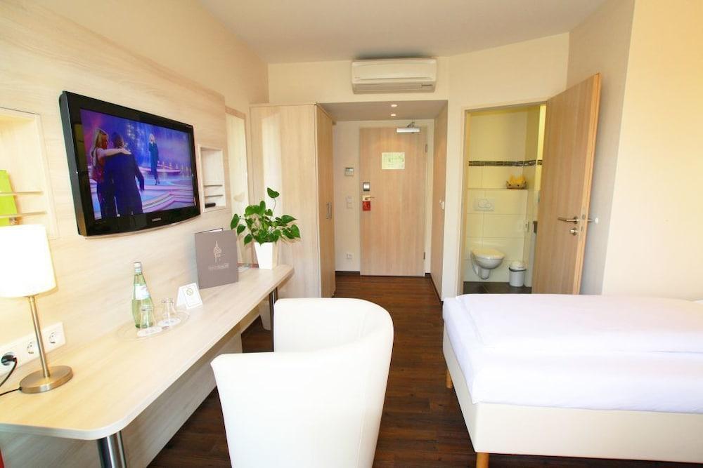 ホテル ローデルハイマー ホフ - アム ワッサートゥルム
