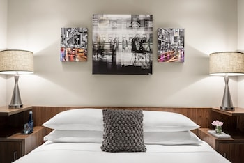 Grand Room, 1 King Bed, Balcony