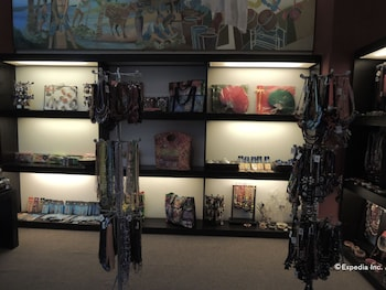 Bellavista Hotel Cebu Gift Shop