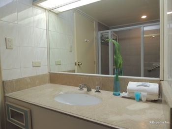 Bellavista Hotel Cebu Bathroom