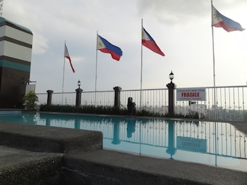 Bellavista Hotel Cebu Outdoor Pool