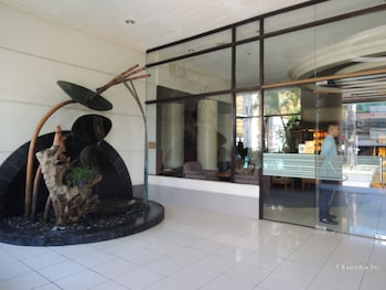 Bellavista Hotel Cebu Property Entrance