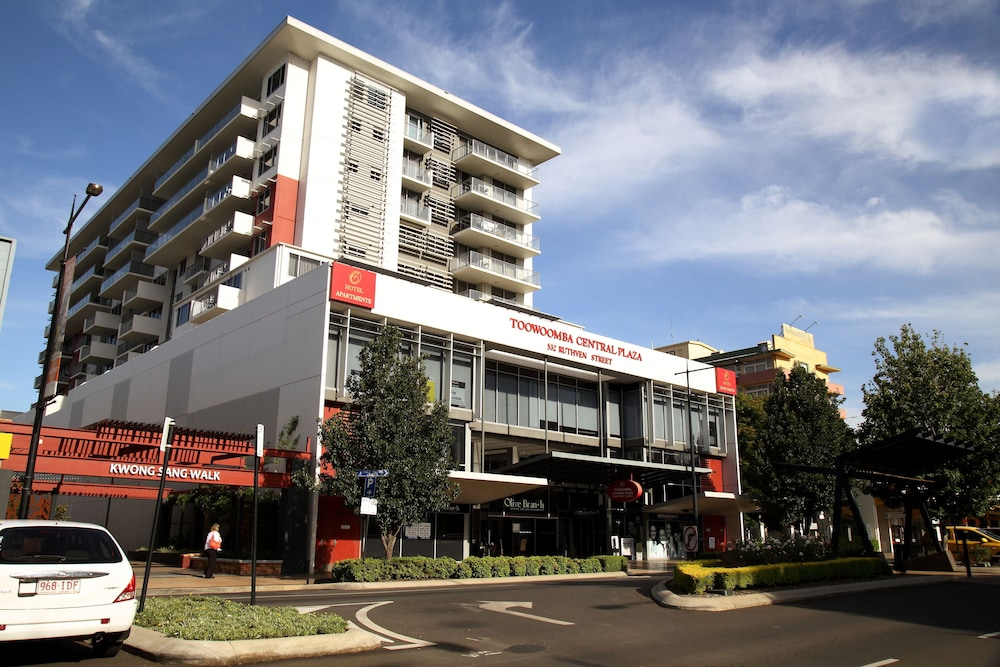 toowoomba hotels with a bathtub - book at hotel.au