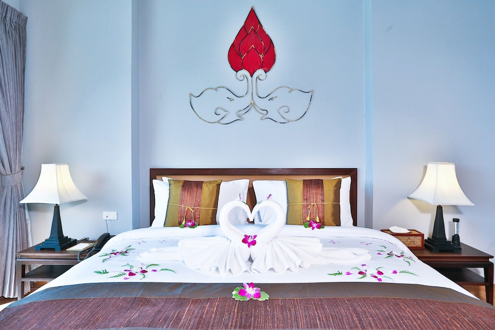 https://i.travelapi.com/hotels/5000000/4060000/4052700/4052673/57d0a91d_z.jpg