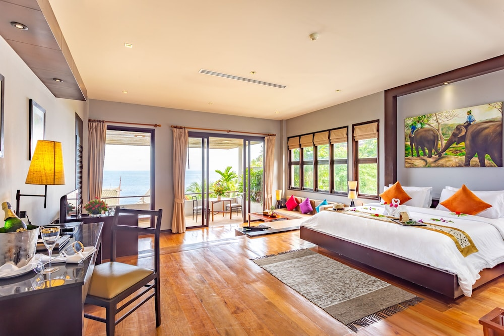 https://i.travelapi.com/hotels/5000000/4060000/4052700/4052673/661e2065_z.jpg