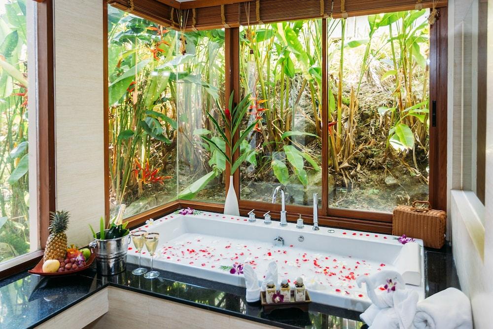 https://i.travelapi.com/hotels/5000000/4060000/4052700/4052673/961d7846_z.jpg